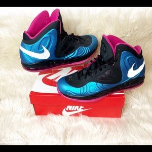 Air max Hyperposite Fire berry Size 12